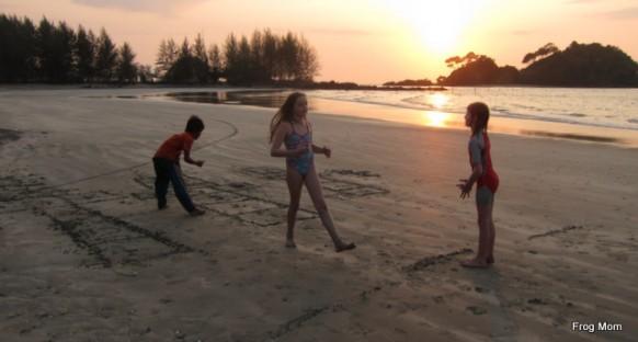 Sand hopscotch, new rules