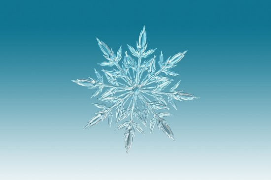 ice-crystal-1065155_640