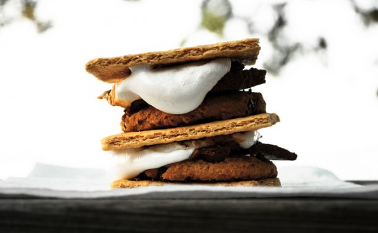 Healthy alternatives to s'mores