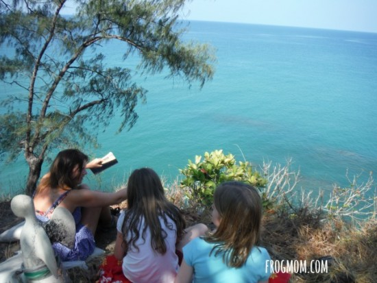 Family Volunteering for Sea Turtles in Thailand - Reef Monitoring