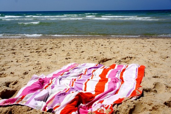 Things to do at the beach with kids - Musical Towels