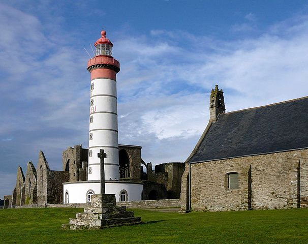 Lighthouse Hikes around the World - Saint Mathieu