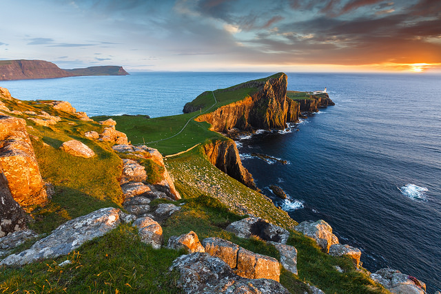 Lighthouse Hikes around the World - Neist Point