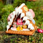Outdoors Advent Calendar #1: Gingerbread House & Gingerbread Trails