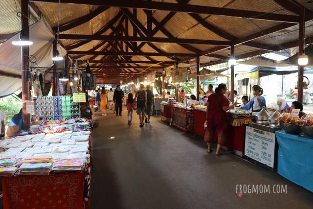 Bang Krachao - Bang Nam Phueng Floating Market
