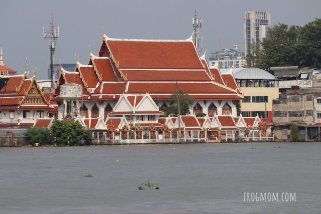 Bang Krachao Temples by the river